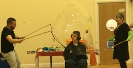 Giant-bubble_262x135_acf_cropped